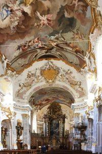 Keine zehn Minuten vom Alpakahof Ausham: Die Klosterkirche Fürstenzell